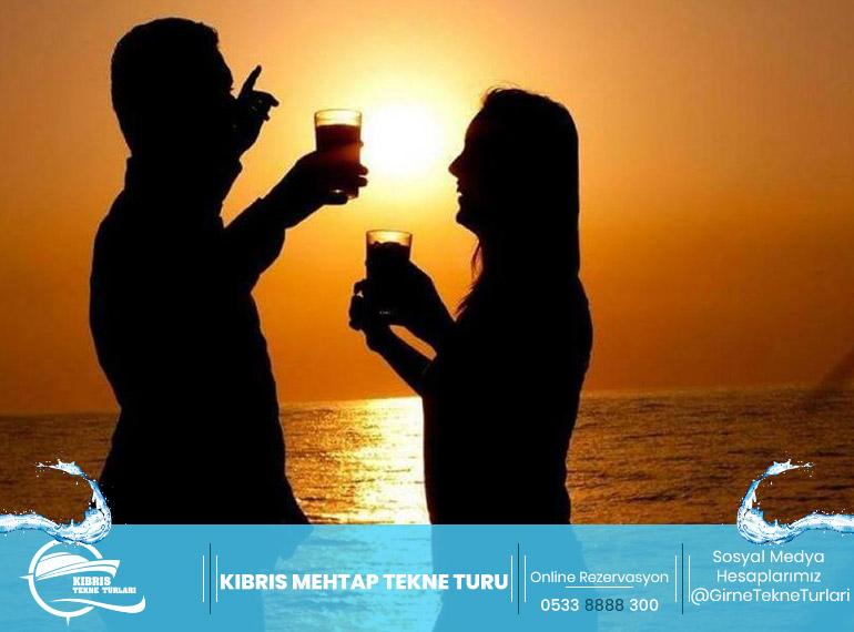 Kıbrıs Mehtap Tekne Turu